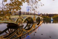 Tsaritsyno moscow Internationell festival cirkeln av ljus Arkivfoto