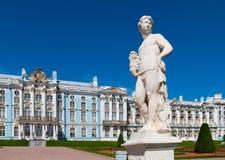Tsarskoye Selo (普希金),圣彼德堡,俄罗斯 凯瑟琳宫殿彼得斯堡俄国selo st tsarskoe 免版税库存照片