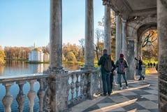 Tsarskoye Selo Pushkin St Petersburg Ryssland Marmorbron Arkivbilder