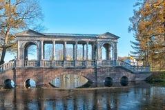 Tsarskoye Selo Pushkin St Petersburg Ryssland Marmorbron Fotografering för Bildbyråer