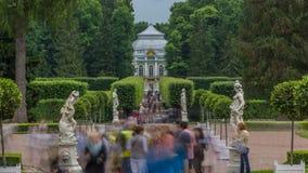 Tsarskoye Selo Pushkin timelapse, Άγιος Πετρούπολη, Ρωσία, αλέα στο πάρκο, τα δέντρα και τους θάμνους απόθεμα βίντεο