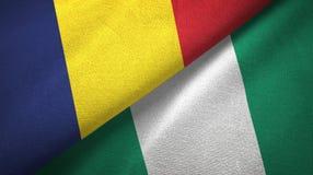 Tschad- und Nigeria-zwei Flaggentextilstoff, Gewebebeschaffenheit stockfotos