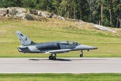 Tschechischer Aero Alca L-159 gerade gelandet Stockfoto
