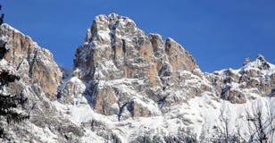 tsey d'ossetia de hautes montagnes de Caucase Image libre de droits