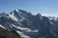 tsey d'ossetia de hautes montagnes de Caucase photographie stock libre de droits