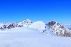 tsey för caucasus hög bergossetia Arkivfoton