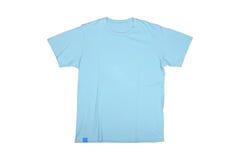 Tshirt isolado dos azul-céu Fotografia de Stock