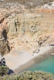 Tsigrado海滩, Melos,希腊 免版税库存照片