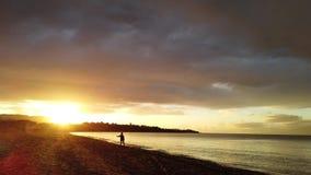 Tsilivi海滩的女孩在黄昏 影视素材