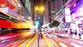 Tsim Sha Tsui. Νύχτα Timelapse Χονγκ Κονγκ. Σφιχτά να μεγεθύνει πυροβοληθείσα έξω. φιλμ μικρού μήκους