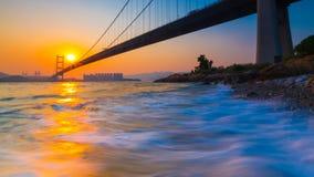 Tsing Ma Bridge en la puesta del sol Fotografía de archivo