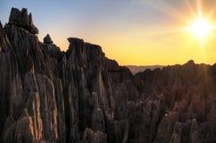 Tsingy korssolnedgång fotografering för bildbyråer
