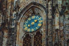 Tsjech, Praag, klok van de de kathedraaldecoratie van Heilige Vitus Me stock afbeelding