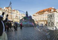 TSJECHISCHE REPUBLIEK - 7 FEBRUARI, 2015: Carnevale Praag 2015 bij het Oude Stadsvierkant Royalty-vrije Stock Fotografie