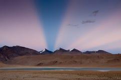 Восход солнца на Tso Moriri озера, Ladakh, Индии Стоковое Изображение RF