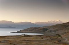 Восход солнца на Tso Moriri озера, Ladakh, Индии Стоковые Изображения