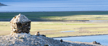 Tso Moriri mountain lake with the Buddhist stupa Royalty Free Stock Images