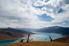 Tso Yamdrok λίμνη στοκ φωτογραφία με δικαίωμα ελεύθερης χρήσης