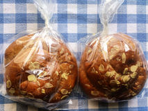 Tsouraki甜面包克利特希腊小小包  免版税库存照片