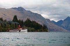 TSS Earnslaw - jedyny pozostały handlowy pasażerski węglowy steamship w południowej półkuli Fotografia Stock