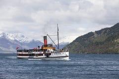 TSS Earnslaw på sjön Wakatipu, Queenstown, Nya Zeeland Royaltyfria Bilder