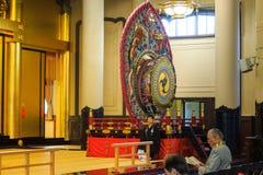 Tsukiji Honganji寺庙佛教仪式的教士在东京, 2016年10月18日的日本 免版税库存图片