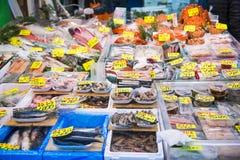 Tsukiji-Markt - Japan, am 24. Februar 2016:: frische Meeresfrüchte für Stockfotografie