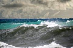 Tsunami tropikalny huragan na morzu Fotografia Stock