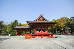 Tsurugaoka Hachimangu relikskrin, Kamakura, Japan Arkivfoto