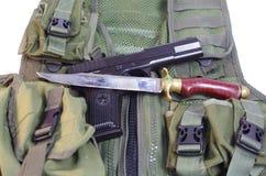 TT 1943, handgjord kniv och arsenal Arkivbild