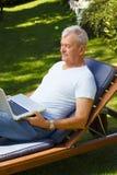 tät manståendepensionär upp Royaltyfri Bild
