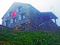 Tte de ¼ de fihà de ¼ de la hutte Hà de montagne ou SAC de tte de ¼ de fihà de ¼ de HÃ, 2334 m ¼ de à M photos stock