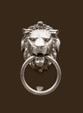 Tête de doorknocker de lion Images libres de droits