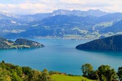 高山横向瑞士ttersee vierwaldst 库存图片