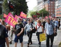 反对TTIP和采塔的3月 库存照片