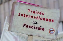 TTIP-SPIEL ÜBER Zeichen während einer allgemeinen Demonstration in Brüssel Lizenzfreie Stockbilder