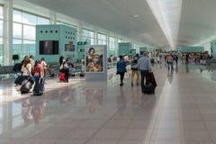 Ttraveller af l'aéroport de Barcelone en Espagne Images stock