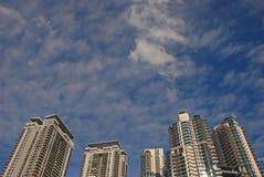 Tätt med skyskrapan Royaltyfri Bild