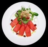 Tuńczyka carpaccio na talerzu obraz royalty free