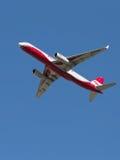 Tu-204-100B/ali rosso di E Fotografia Stock Libera da Diritti