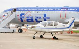 Tu154M和Il 103在MAKS-2013 库存图片