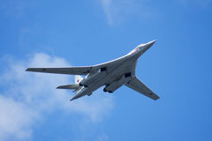 Tu-160 performs demonstrations at air show Royalty Free Stock Photos