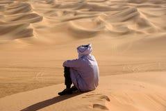 Tuareg in woestijn, Libië Stock Afbeelding