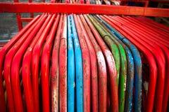 Tubatura d'acciaio colorata fotografia stock libera da diritti