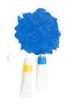Tube artistique serré de peinture de bleu de ciel Photographie stock libre de droits