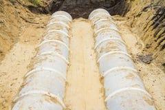 Tube de drainage concret sur le chantier de construction Photographie stock libre de droits