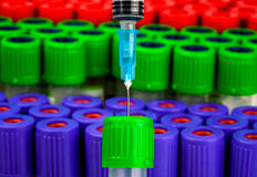 Tube de seringue et à essai pour l'analyse de sang photo libre de droits
