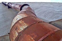 Tube industriel rouillé Photographie stock