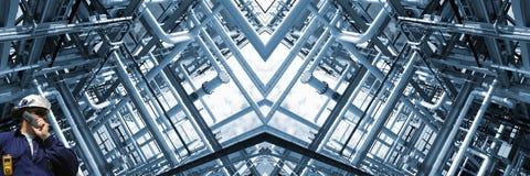 Tuberías de la refinería de petróleo, visión panorámica Fotos de archivo