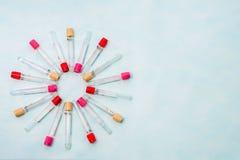 Tubes à essai pour le diagnostic de laboratoire, pour des analyses de sang Photos libres de droits